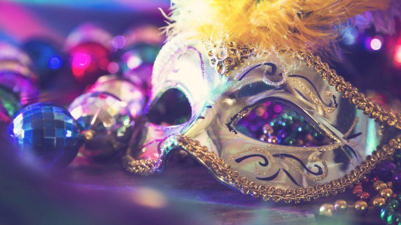 O uso das máscaras como parte da roupa da alma – por Katia Kuramoto